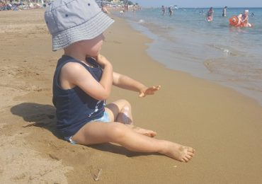 Potówki u dzieci na urlopie - jak sobie z nimi radzić?