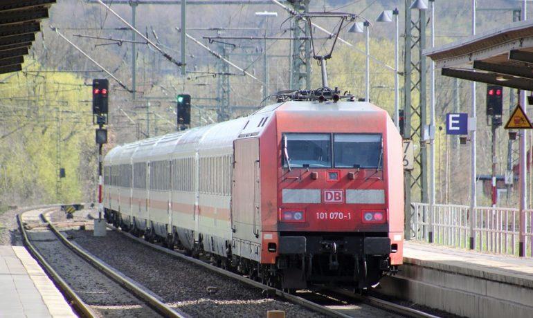 Jak tanio podróżować koleją po Niemczech?