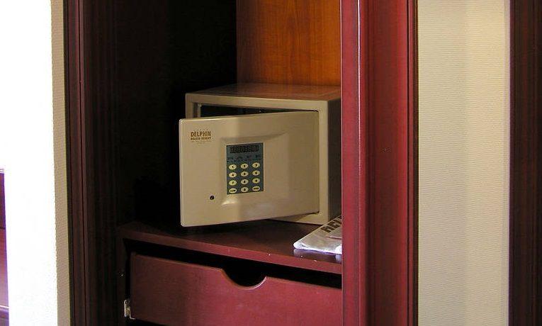 Sejf w hotelu - czy jest bezpieczny, czy warto go używać?