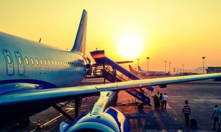 Samolot - jak przewozić niestandardowy bagaż?