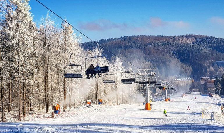 Na narty z dzieckiem - co warto wiedzieć?