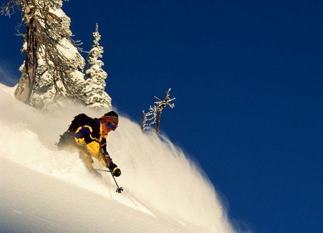 Jakich kontuzji najczęściej doznają narciarze i ile kosztuje ich leczenie za granicą?