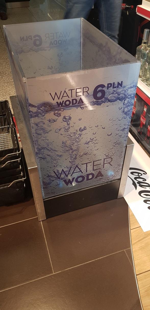 Woda, strefa bezcłowa, cena