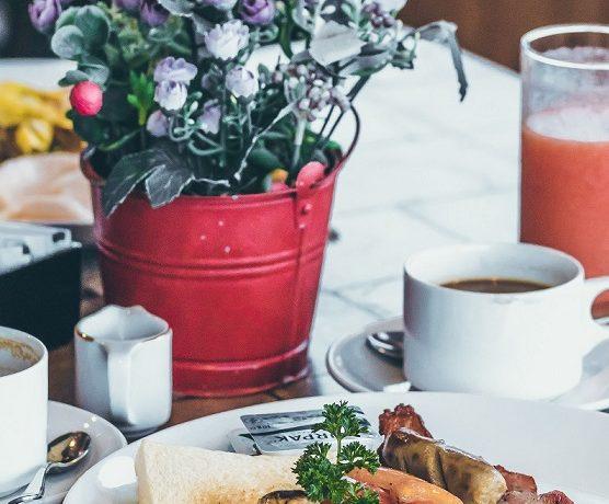 Śniadanie w hotelu - jakie są jego rodzaje?