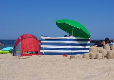 Namiot plażowy czy parasol?