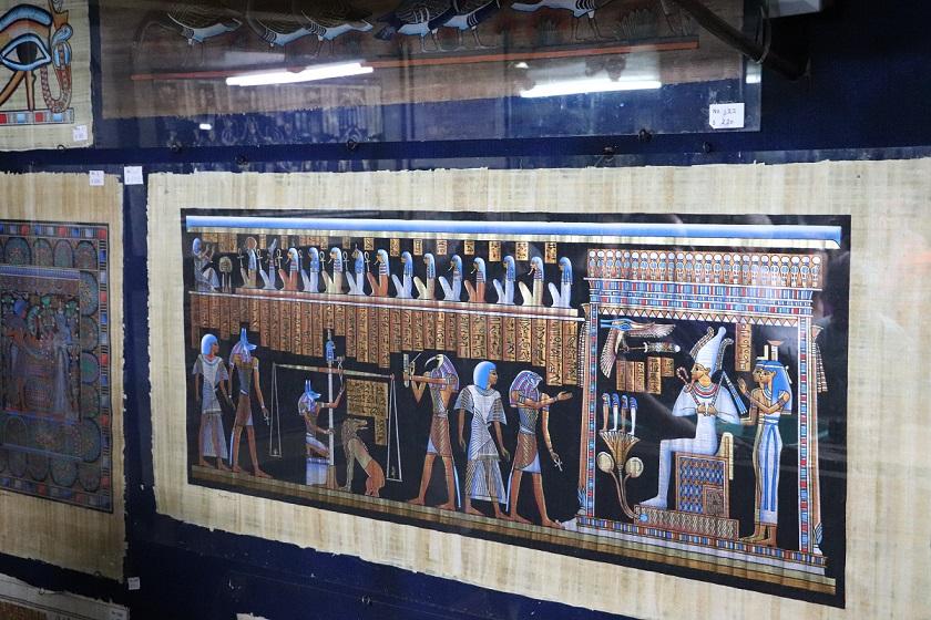 Egipt - papirus jaką najbardziej egipska z pamiątek