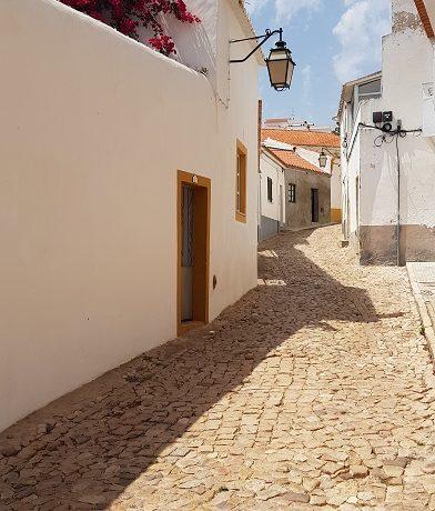 Silves, uliczka, Portugalia