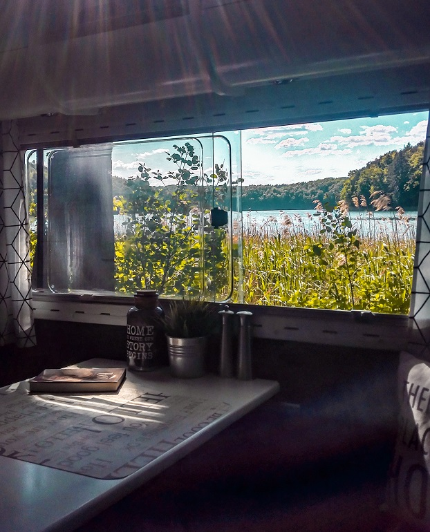 Kamper, widok z okna