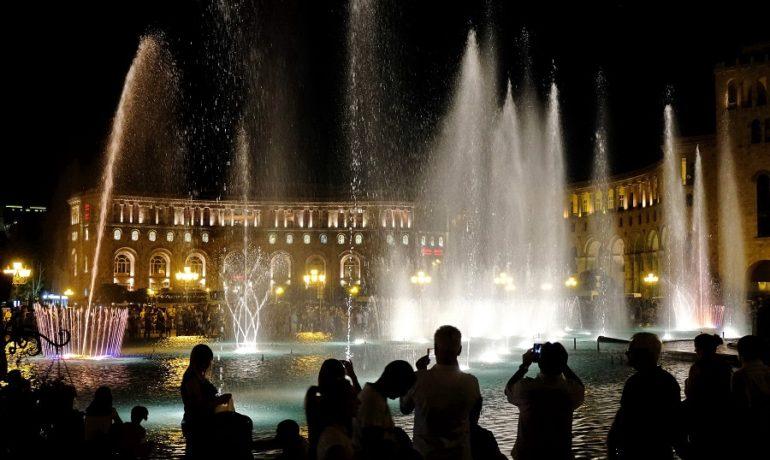 Armenia, Grająca fontanna
