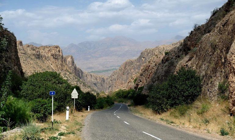 Armenia, górska droga