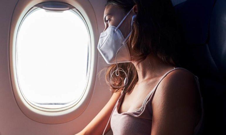 Czy w samolocie trzeba mieć maseczkę?