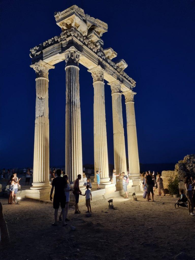 Side, Świątynia Apolla
